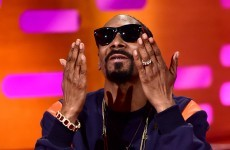 Snoop Dogg tries to board plane with €380k, it doesn't go to plan