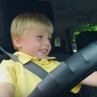 WATCH: This three-year-old taxi driver caused quite a stir in Dublin
