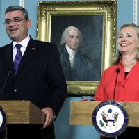 US signs missile defence deal with Romania