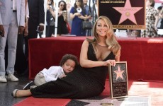 Everyone is sharing this Vine of Mariah Carey 'blanking' her son at a photo shoot