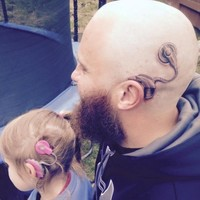 This dad made a lovely gesture for his daughter who was insecure about her cochlear implant