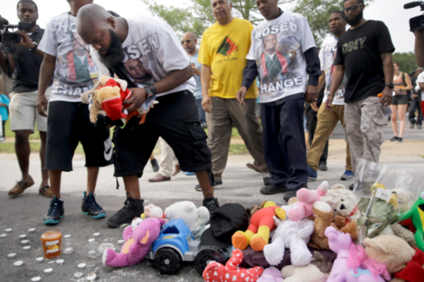 Michael Brown Sr at a memorial to his son.