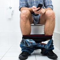 Over half of Irish people use their phones in the loo