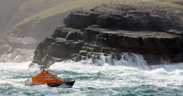 Search for missing fisherman swept off Kerry rocks to resume today