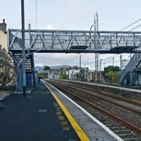 Rail services delayed as man runs onto tracks to evade gardaí