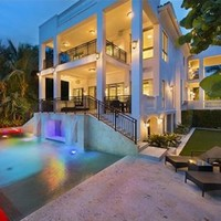 Take a look around the Miami mansion that LeBron James just sold for €12m