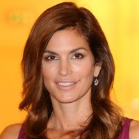 """""""I was conflicted"""": Cindy Crawford speaks out about THAT viral unretouched photo"""