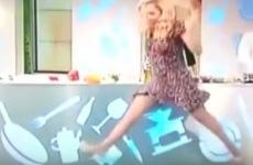 This actress attempted to do the splits on live TV and failed, horribly