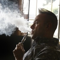 Government does NOT intend to ban vaping in pubs and offices