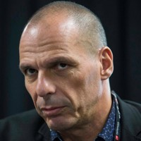 Varoufakis gets rock star reception in London as he gives Corbyn advice