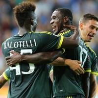 Mario Balotelli scored a thunderous 25-yard free-kick for Milan last night