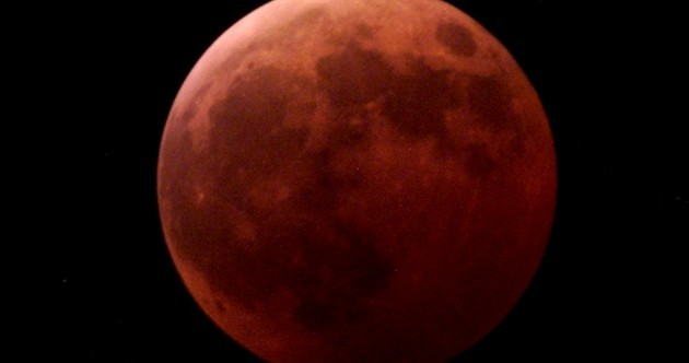 The moon will turn blood red tonight in extremely rare Supermoon total eclipse
