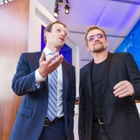 Mark Zuckerberg and Bono want to bring the internet to refugee camps