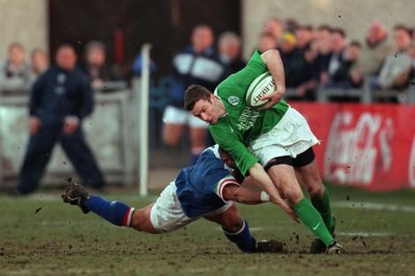 Ireland's Geordan Murphy evades Italian Fredrico Pucciariello's tackle in an 'A' fixture in March 2000.