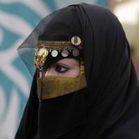 Saudi Arabian women given the right to vote