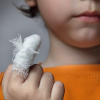 Girl (11) awarded €35k in damages after getting finger trapped in seat
