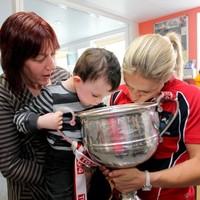 In pictures: Cork's All-Ireland-winning ladies visit Temple Street