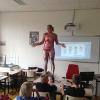 This teacher is going viral with her very unusual anatomy lesson