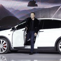 Tesla's autopilot mode for cars 'hopefully' won't hit pedestrians, says CEO