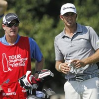 Johnson denies any friction with Woods over caddie move