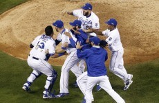Records tumble as Royals outlast Mets to take World Series lead