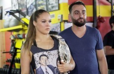 Oscar De La Hoya says he's spoken to Ronda Rousey about a move to boxing