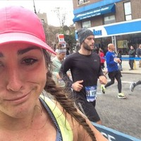 This woman spent a whole marathon taking selfies with hot guys