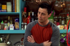 A Friends superfan just noticed that they slyly switched Rachel in an episode