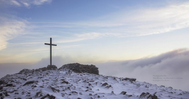 PROOF that it's been snowing this weekend: Here are some stunning photos of Carrauntoohil
