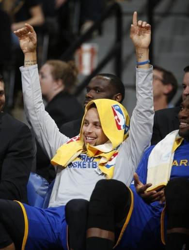 Warriors beat Nuggets to match best NBA start of 15-0