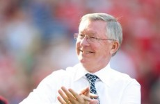 Fergie tells fans to sit down and behave themselves
