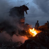 Policeman arrested for attempting to sell items from MH17 wreckage