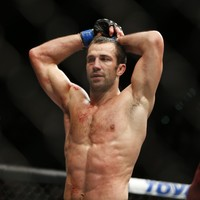 Rockhold stops Weidman to become the new UFC middleweight champion