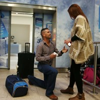 An Irish man just arrived home for Christmas and proposed to his girlfriend in Dublin Airport