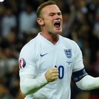 Peter Crouch reckons Wayne Rooney is still England's best striker