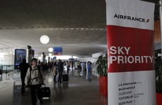 Employee pockets €20,000 dropped by ambassador in an airport and gets arrested