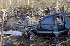 14 killed as tornadoes sweep across southern US