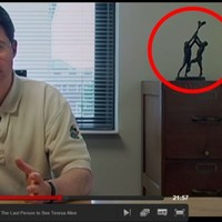 The Making A Murderer hurling statue comes from a family business in Mullingar