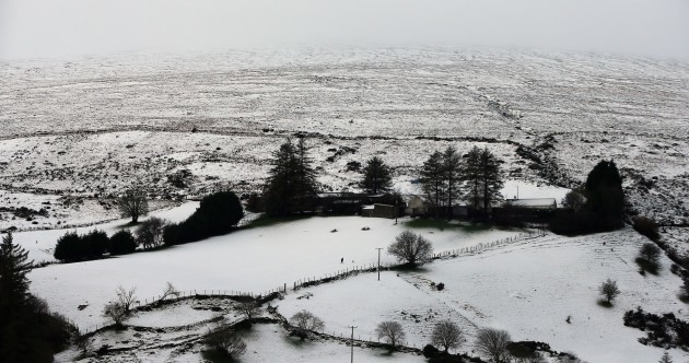 Frosty nights, icy patches and wintry showers: Here's how the week ahead is looking