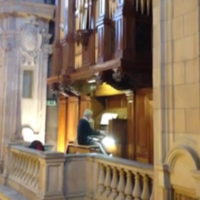 This organist's touching tribute to David Bowie is going viral on Facebook