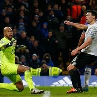 Martinez slams 'diabolical' refereeing in Chelsea draw