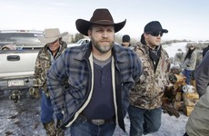 One killed, seven arrested as police clash with Oregon militia