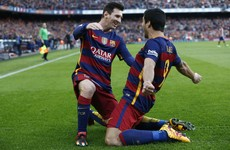 Messi and Suarez give Barca title advantage against 9-man Atleti