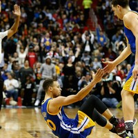 Incredible Steph Curry scores 51, flirts with three-point record