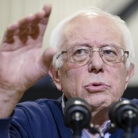 Bernie Sanders sneaks ahead of Clinton as first few votes cast in New Hampshire