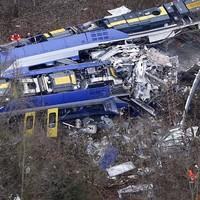 Ten dead and 81 injured in German commuter train crash