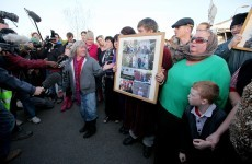 Remaining Dale Farm residents and supporters leave site peacefully