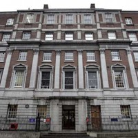 HIQA finds overcrowding, poor hygiene and risk of infection at Holles Street