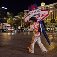 """""""Sanders and Clinton do not speak..."""": 48 hours in Sin City with Hillary"""