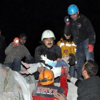Video: Search continues for survivors of Turkey's 7.2-mag earthquake